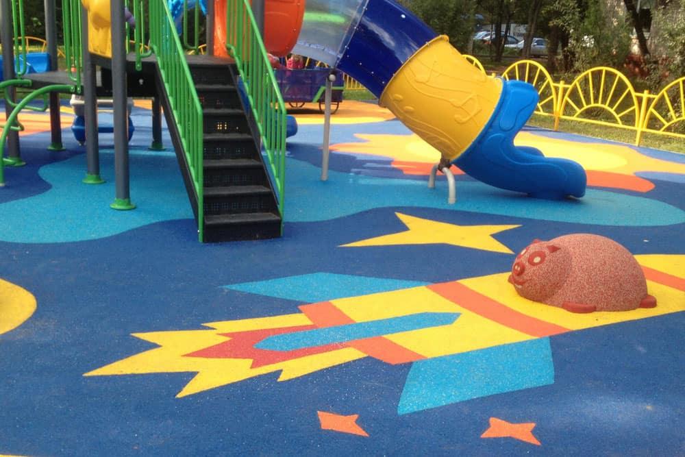 Производство резиновых детских площадок.
