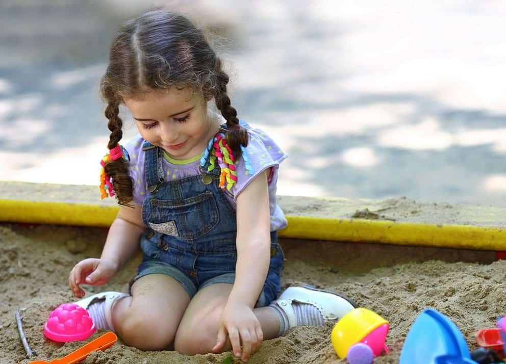 Купить детскую песочницу с крышкой.