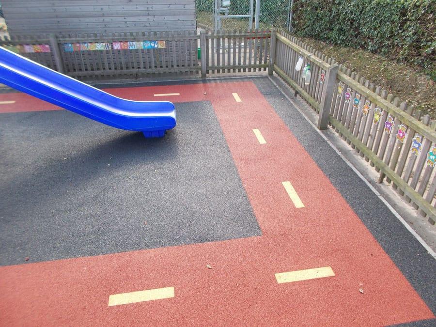 Покрытие для детской площадки на даче.