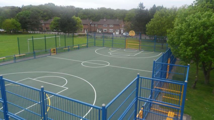 Искусственные покрытия для спортивных площадок.