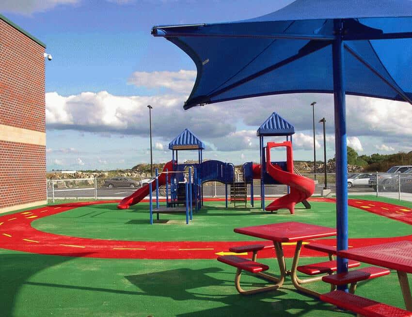 Резиновое покрытие для детских игровых площадок.